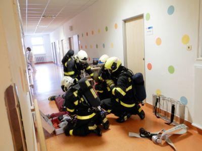 V Nemocnici Nový Jičín zasahovali hasiči – naštěstí jen cvičně