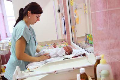 V Nemocnici Nový Jičín se v prvním pololetí narodilo 370 dětí. Byl mezi nimi i Lev či Šejla