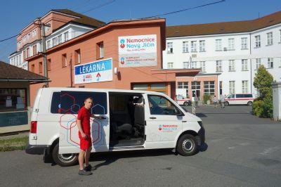 Víkendový tranzit z Nemocnice Nový Jičín si příbuzní pacientů Nemocnice Vítkov pochvalují
