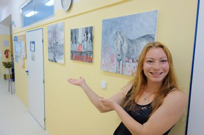 Léčebné a rehabilitační pracoviště ve Vítkově mění nudné nemocniční chodby v galerie