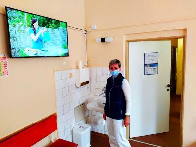 Pacientům ve Vítkově dobu léčení krátí ostrý obraz a čistý zvuk. Na všech pokojích jsou nové televize