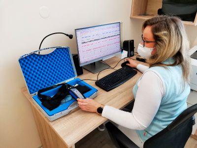 Spánková laboratoř v novojičínské nemocnici pomáhá lidem ze tří krajů. Nekvalitní spánek může vést k vážným zdravotním problémům