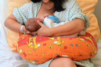 Světový týden kojení: V novojičínské nemocnici je cílem, aby co nejvíce narozených dětí odcházelo domů z porodnice plně kojených